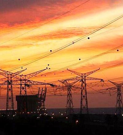 קרינה מחשמל - עמודי חשמל
